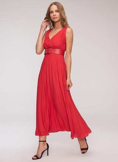 People By Fabrika Kemerli Piliseli Elbise Kırmızı